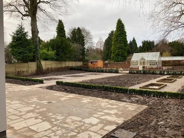 customers garden, hedges